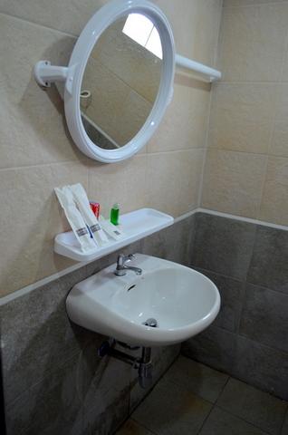 Shower Toilet (2)-1.JPG