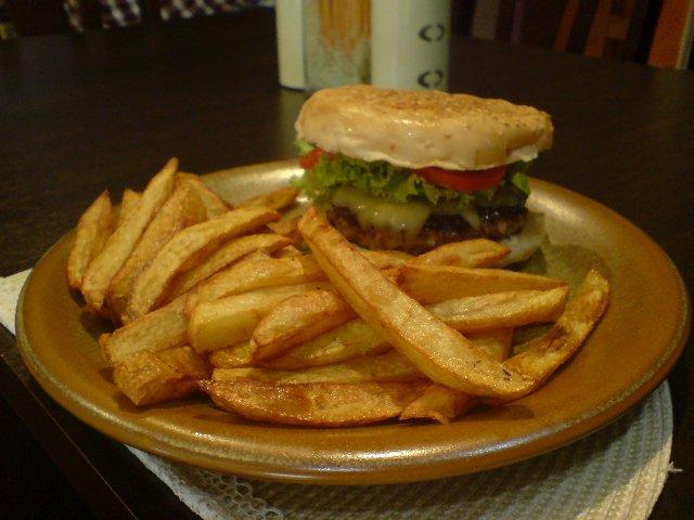 cafe_uno_burger.jpg
