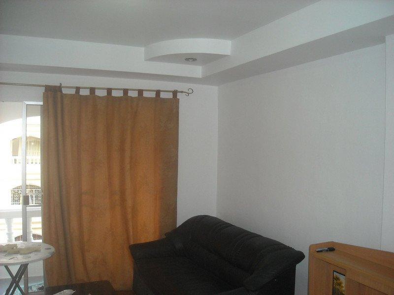 New YELLOW room-WHITE PAINT--Nov.1, 2012 004.jpg