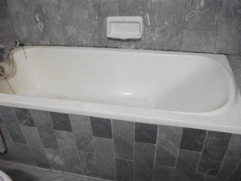 Nirun bath tub....JPG